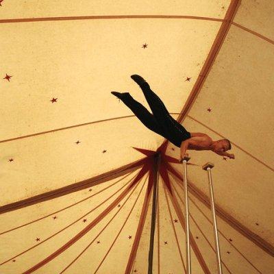 acrobat-472813_960_720
