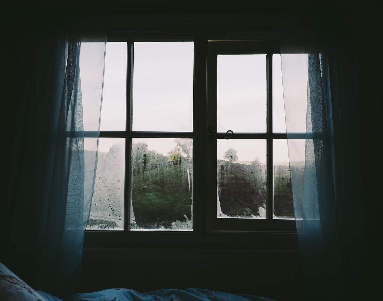 bedroom-2619266_1280