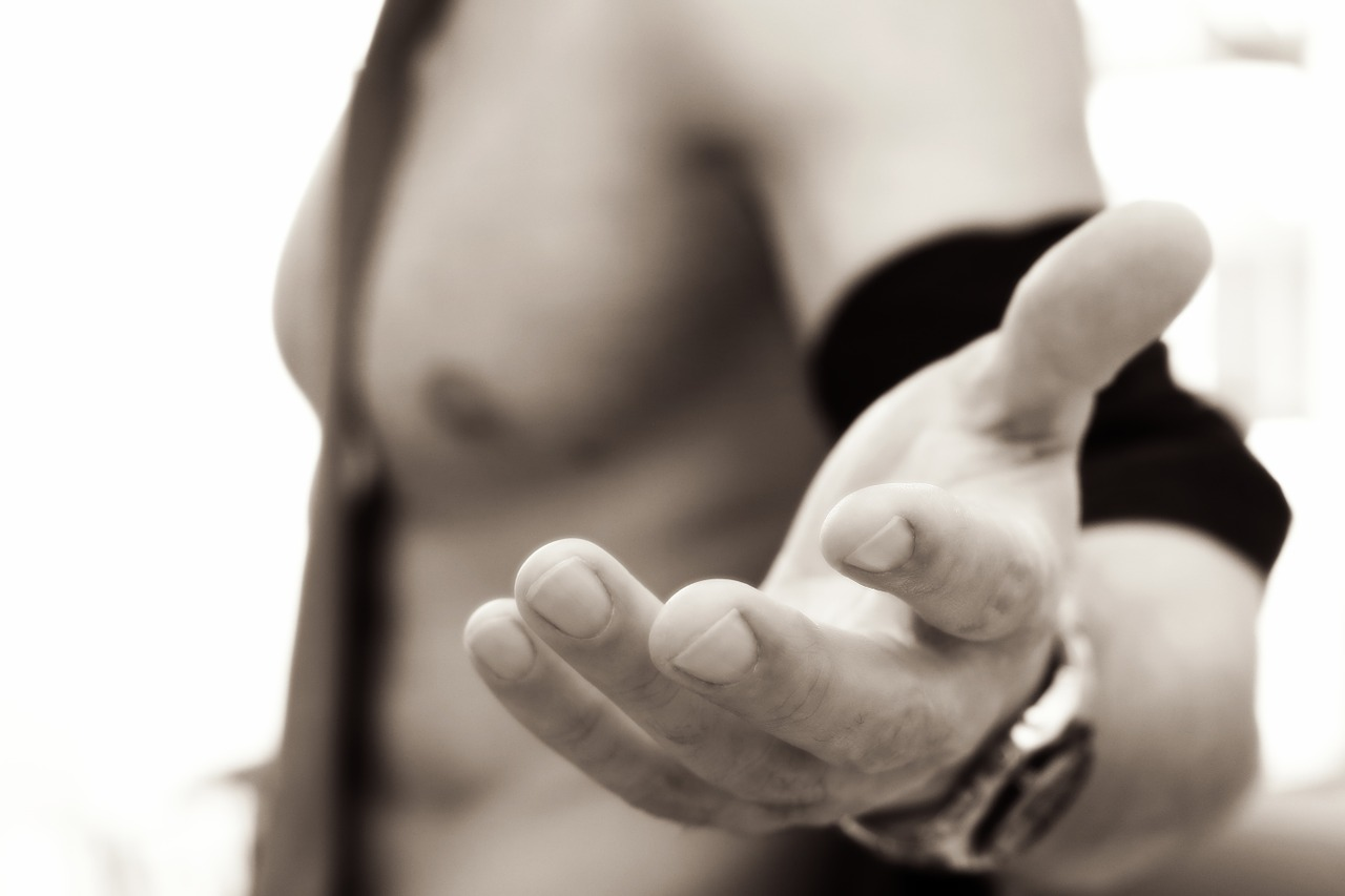 naked-1216595_1280