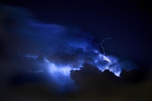 lightning-2807371_1280