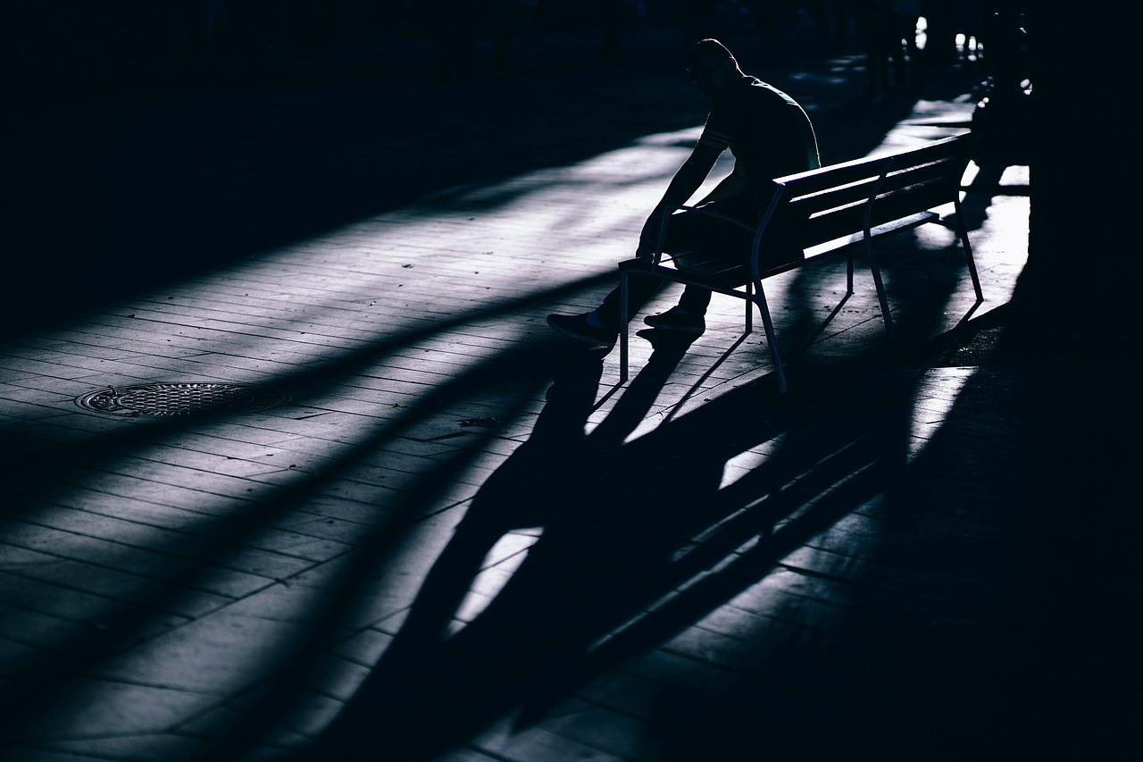 dark-2602803_1280