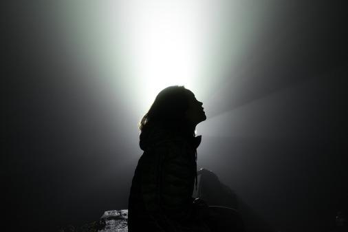 silhouette-2606648_1280
